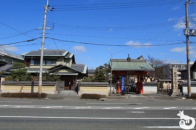 竹田駅から城南宮へのアクセス 北向不動尊