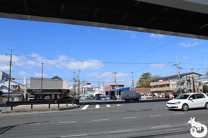 竹田駅から城南宮へのアクセス 交差点