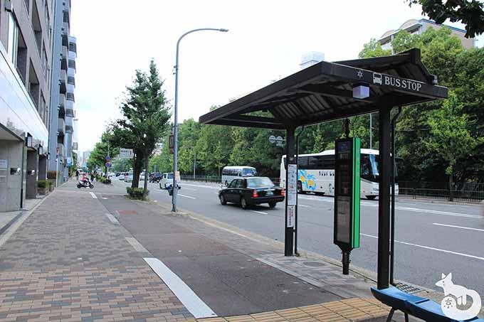 バスを下車して反対方向へ