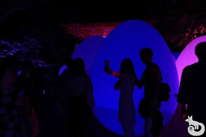 大きな光の玉